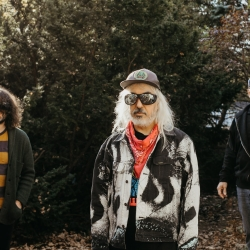 """Dinosaur Jr. Share New Single, """"Garden""""<span>'Sweep It Into Space', Out April 23rd</span>"""